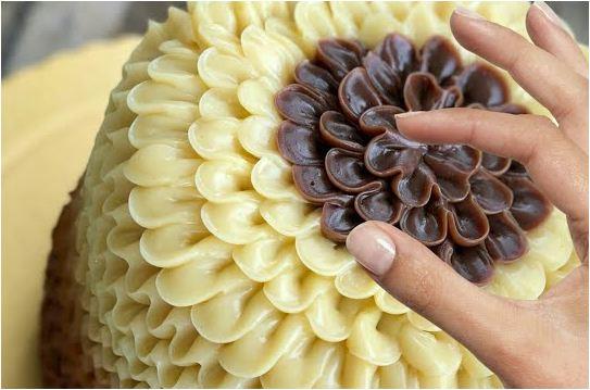 Учимся украшать домашние торты кремом